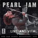 Pearl Jam - LIVE AND VITAL